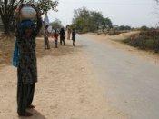 અવળી ગંગા: ગુજરાતનું એક ગામ જ્યાં 2 કલાકે ભરાય છે પાણીનો એક ઘડો