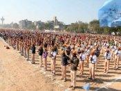 દેશમાં બાળકોએ એકસાથે સૂર્યનમસ્કાર કરી સર્જ્યો વિક્રમ