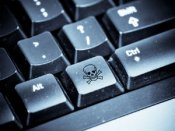 ઇન્ટરનેટ પર દુનિયાનો 'સૌથી મોટો હુમલો' ઇ-મેલ સર્વિસ ઠપ્પ થવાનો ભય