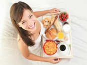 નોકરી કરતી મહિલાઓ જરૂર વાંચે આ ડાયેટ ટિપ્સ!
