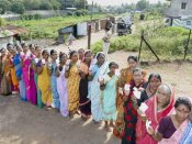 મતદાન 2014: સિબ્બલ, ગડકરી, થરૂર અને ગાંધીનું ભવિષ્ય ઇવીએમમાં બંધ