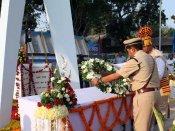 પોલીસ સંભારણા દિવસઃ ભીની આંખે શહીદોને અર્પિત કરાઇ શ્રધ્ધાંજલિ