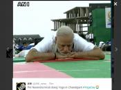 #YogaDay ચંડીગઢ: 30 હજાર લોકોની સાથે પીએમ મોદીએ કર્યો યોગ
