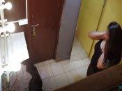 બાથરૂમમાં કેમેરો લગાવીને અશ્લીલ વીડિયો બનાવી રહ્યા, થઇ પીટાઈ