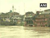 ભારે વરસાદને કારણે ઝેલમ નદી છલકાઈ, અમરનાથ યાત્રા સ્થગિત
