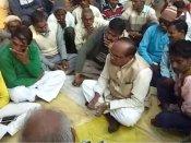બુલંદશહેર હિંસા: કાર્યવાહીથી નારાજ લોકોએ MLA ને બંધક બનાવ્યો