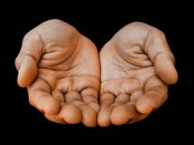 હાથની આ રેખાઓ કરે છે લવ અફેર તરફ ઈશારો