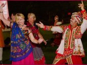 ગુજરાત: વિદેશીઓએ 3 સૌથી મોટા તહેવારોથી મોં ફેરવી લીધું, 94 કરોડ ખર્ચ્યા છતાં...