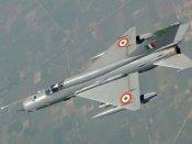 વિંગ કમાન્ડર અભિનંદનના વિમાન પર પાકિસ્તાની વિમાને છોડી હતી 5 મિસાઈલ