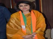 Video: ક્રિકેટર રવિન્દ્ર જાડેજાના પત્ની રિવાબા ભાજપમાં શામેલ
