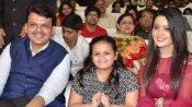 મહારાષ્ટ્રના CM દેવેન્દ્ર ફડણવીસને અમૃતામાં દેખાતી હતી કાજોલ, વાંચો તેમની રસપ્રદ લવ સ્ટોરી