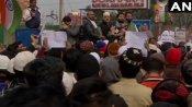 જામા મસ્જિદની બહાર નાગરિકત્વના કાયદા સામે વિરોધ, નમાઝ બાદ હજારો લોકો એકઠા થયા