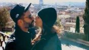 રોમેન્ટીક અંદાજમાં પતિ સાથે સોનમ કપૂરે મનાવ્યુ ન્યૂ યર, લિપલૉક Video Viral
