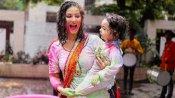 Pics: પરિવાર સાથે સની લિયોને આવી રીતે રમી હોળી