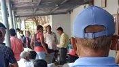 ગુજરાતઃ ભાજપ-કોંગ્રેસના ઉમેદવારોને લોકોએ ભગાડ્યા - બસ વોટ માંગવા આવી જાવ છો