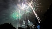 Happy New Year 2021: નવા વર્ષ પહેલા પ્રિયજનોને આપો એડવાન્સ શુભકામના
