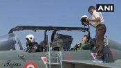 Aero India: એરફોર્સ પાયલટની ડ્રેસમાં દેખાયા બીજેપી સાંસદ તેજસ્વી સુર્યા, તેજસ ફાઇટર જેટમાં ભરી ઉડાન