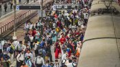 Indian Railways: આ રેલ્વે સ્ટેશનો પર પ્લેટફોર્મ ટીકિટનું વેચાણ બંધ, ભારે ભીડના કારણે લીધો નિર્ણય