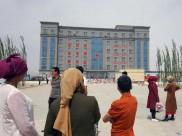 કેમ ચીનમાં મુસ્લિમ ઘરોની બહાર લગાડવામાં આવી રહ્યા છે ક્યુઆર કોડ