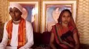 નાગ-નાગિન હોવાનો દાવો કરતા પતિ પત્ની કેન્સરનો ઉપચાર કરે છે