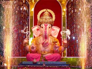 Ganpati Devotees Banned Short Wearing