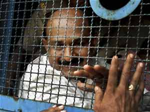 Babu Bajrangi Thrashed By Godhra Convicts Blast Accused