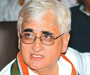 Khurshid Rejects Probe Into Charges Against Vadra