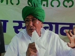 Chautala Favours Khap View On Early Marriages