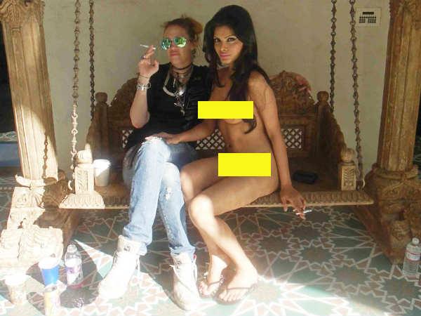 Watch Sharlin Chopra Hot Photos Twitter