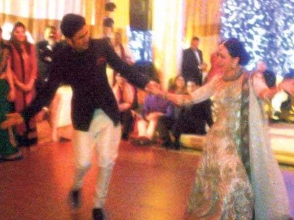 Watch Saif Kareena Marriage Grand Reception Photos