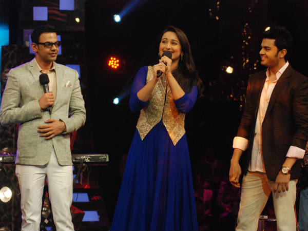 Sonakshi Visited Igt Promot Sos