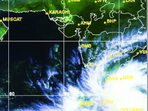 Now Cyclone Alert For Tamil Nadu And Andhra Pradesh