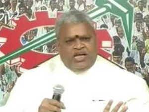 Hyderabad Tdp Leader Yerran Naidu Dies In Car Accident