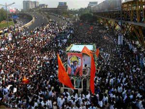 Raj Return From Half Way Of Last Procession Thackeray