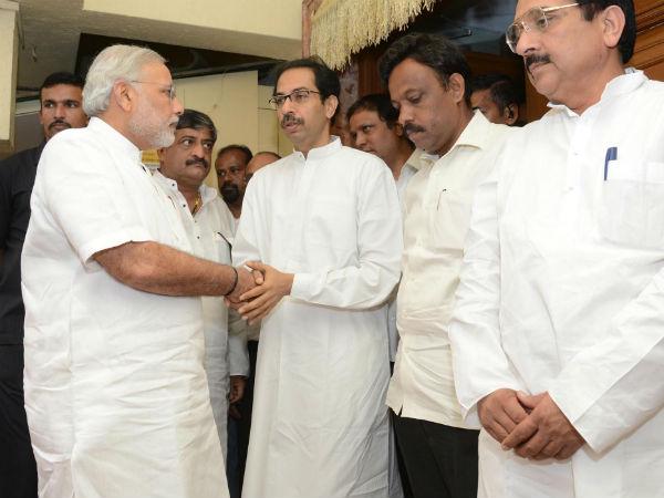 Narendra Modi Met Thackeray Family In Mumbai