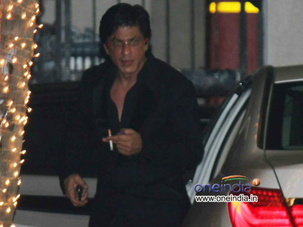Why Shahrukh Khan Caught Smoking Public Place
