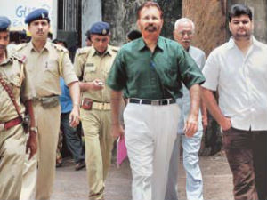 Sohrabuddin Case Nine Accused Sent To Mumbai