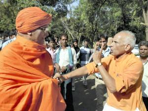 Swami Agnivesh Was Manhandled