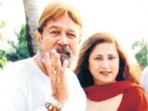 Hc Stays Domestic Violence Case Rajesh Khanna Family