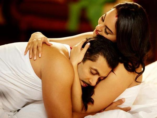 Dabangg 2 Salman Khan Sonakshi Close To Each Other