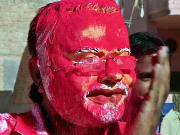 Gujarat People Celebrating Narendra Modi Victory