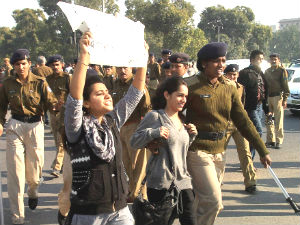 Delhi Gangrape Protestors Clash With Police