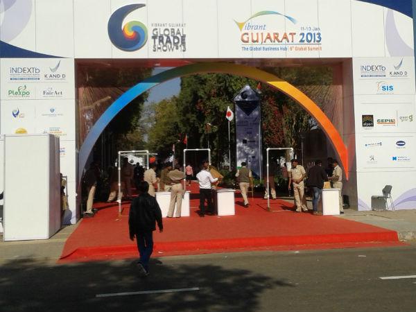 Narendra Modi Inaugurates Global Trade Fair