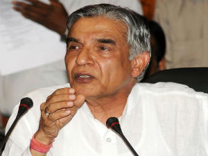 Pawan Bansal Meets Pm Offers To Resign
