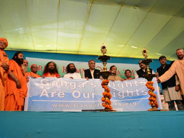 Cm Uttarakhand Sri Sri Ravi Shankar At Kumbh Save Ganga