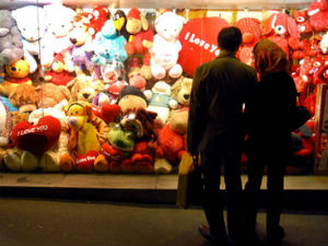 Valentines Day Market In India Pegged At Rs 15 Billion