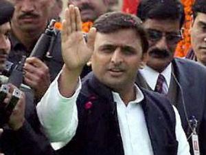 Akhilesh Yadav Presents Populist Budget