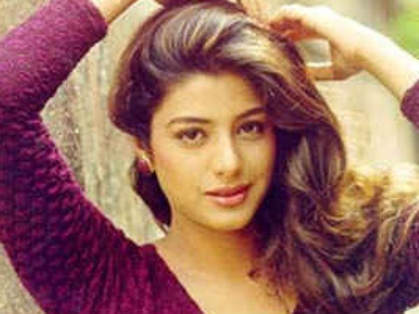 Hot Actress Tabu Play Salman Sister In Mental