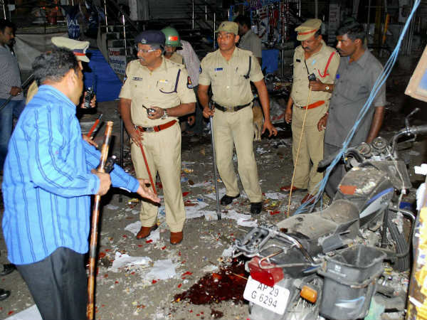 Hyderabad Blast Ied Used In Twin Blasts Says Dgp