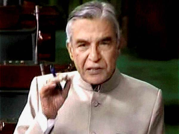 Pawan Bansal Presents Railway Budget In Lok Sabha